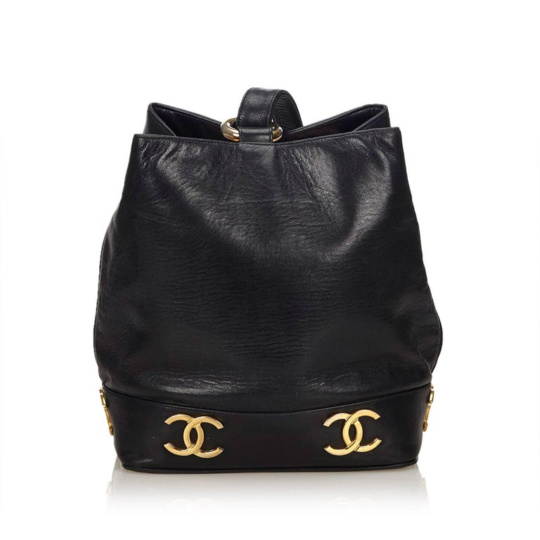 "Chanel Black Lambskin Leather Gold Toned ""CC"" Bucket Bag In Excellent Condition For Sale In Sheung Wan, HK"