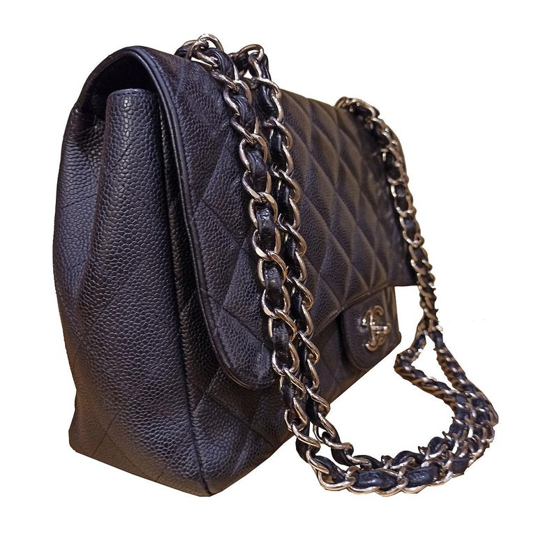 Chanel Black Large Classic Bag In Excellent Condition For Sale In Gazzaniga (BG), IT