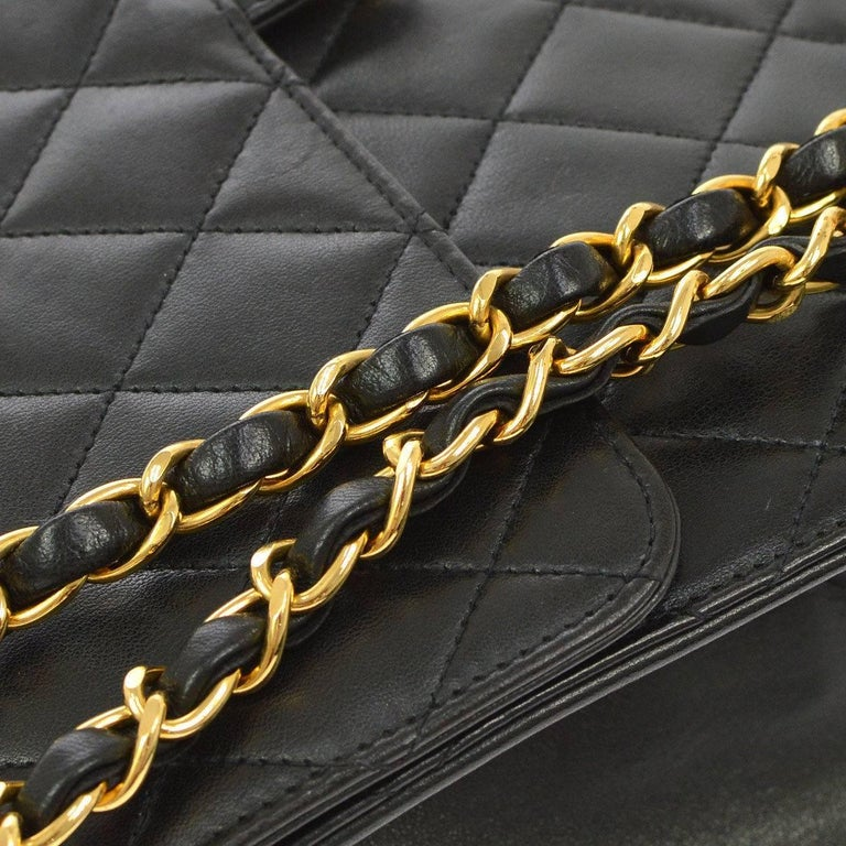 Chanel Black Leather 2 in 1 Envelope Clutch Single Flap Shoulder Bag In Good Condition For Sale In Chicago, IL