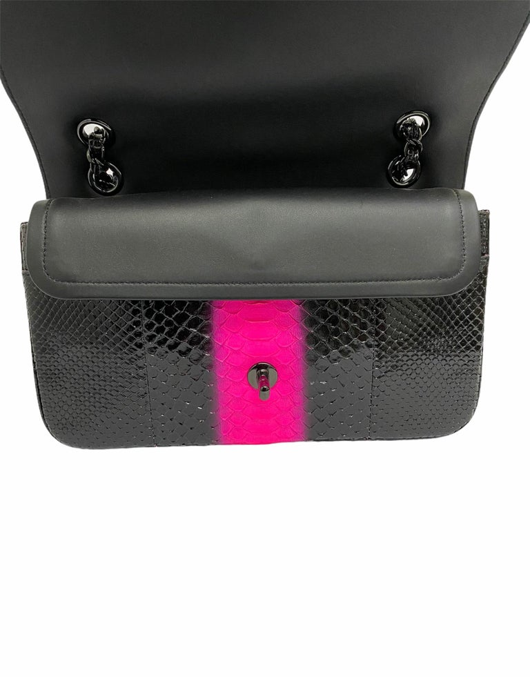 Chanel Black Leather 2.55 Limited Edition Bag  In New Condition For Sale In Torre Del Greco, IT