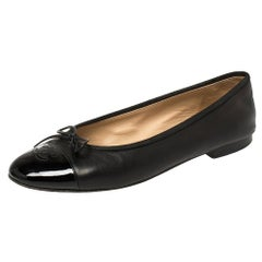 Chanel Black Leather And Patent CC Cap Toe Bow Ballet Flats Size 39.5