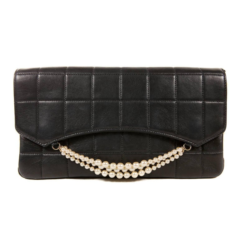 Chanel Black Leather and Pearl Bag For Sale 9