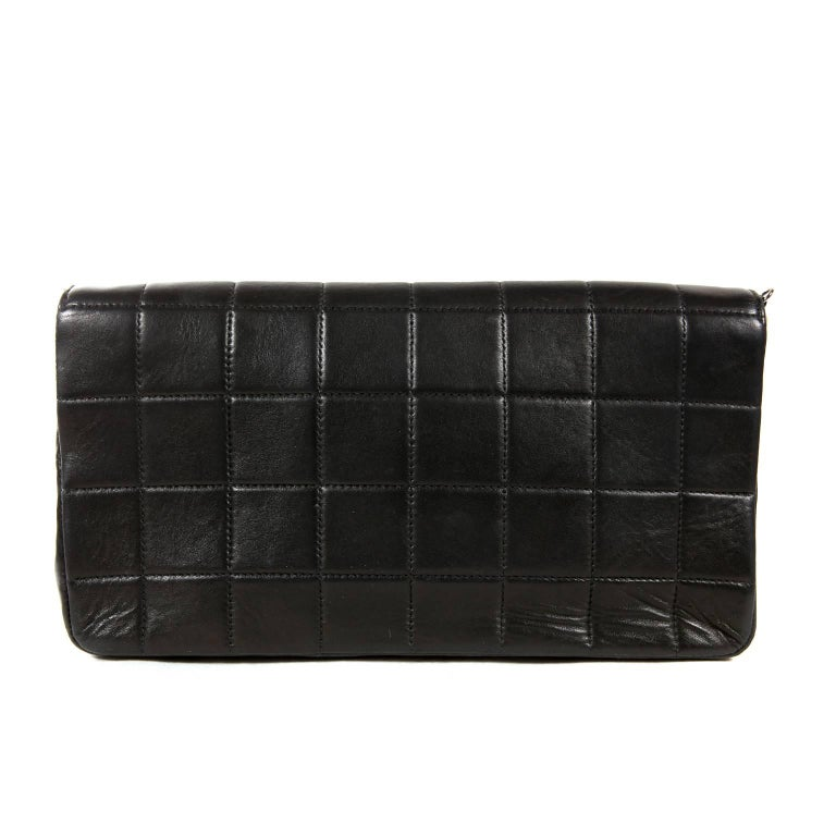 Women's Chanel Black Leather and Pearl Bag For Sale