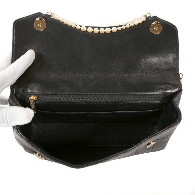 Chanel Black Leather and Pearl Bag For Sale 5