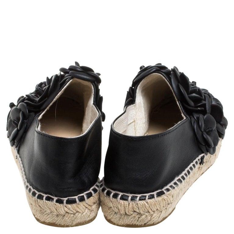 Women's Chanel Black Leather CC Camellia Espadrilles Size 37 For Sale