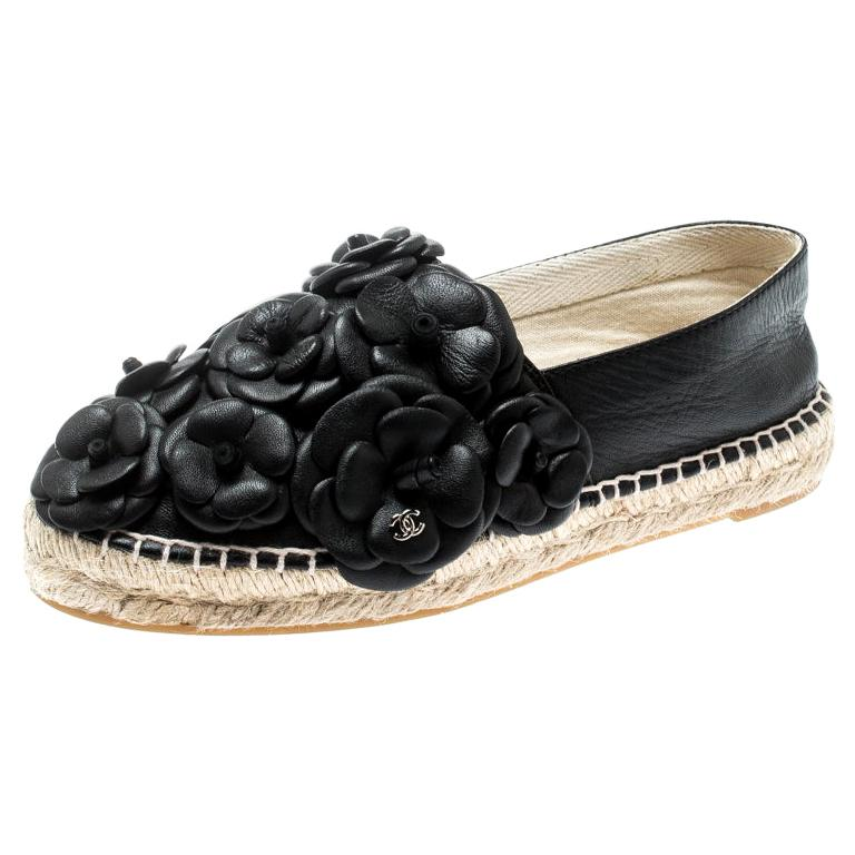 8f4bcf13f67 Vintage Chanel Shoes - 409 For Sale at 1stdibs