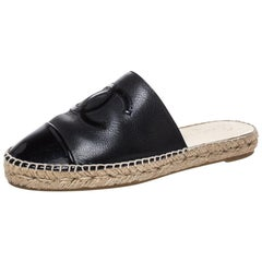 Chanel Black Leather CC Cap Toe Espadrille Mules Size 39