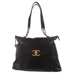 Chanel black leather CC Logo shoulder Bag