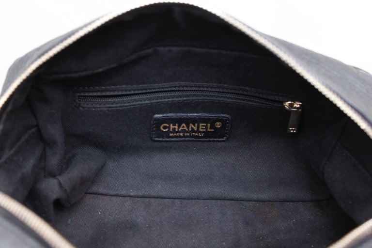 Chanel black leather cross-body bag, 2000's For Sale 8