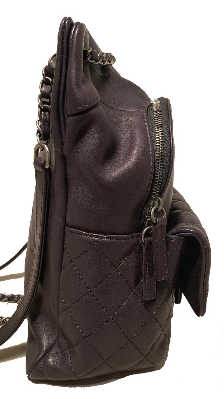 Chanel Black Leather Drawstring Backpack In Excellent Condition For Sale In Philadelphia, PA