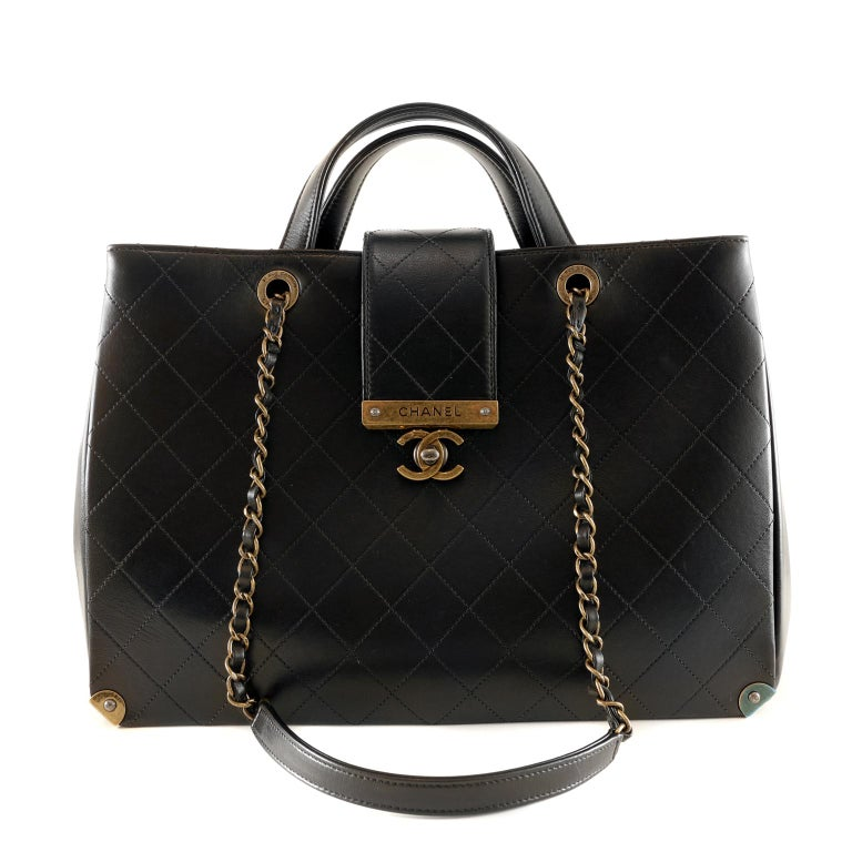 Chanel Black Leather Executive Shopper In Excellent Condition For Sale In Palm Beach, FL