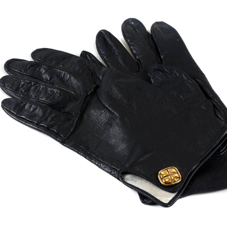 Chanel Black Leather Gloves- size 7 For Sale at 1stdibs