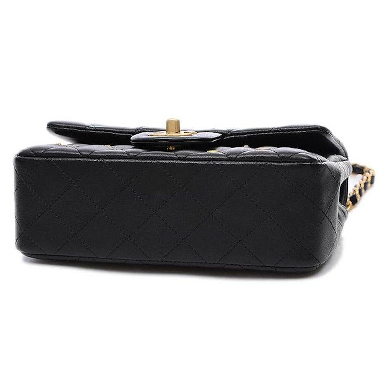 Women's Chanel Black Leather Gold Gunmetal Charms Evening Shoulder Flap Bag For Sale