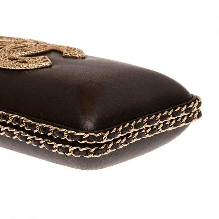 Chanel black leather gold hardware clutch - shoulder bag For Sale 1