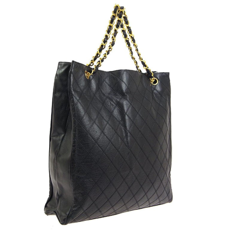 Chanel Black Leather Gold Large Carryall Travel Shopper Shoulder Tote Bag In Good Condition For Sale In Chicago, IL