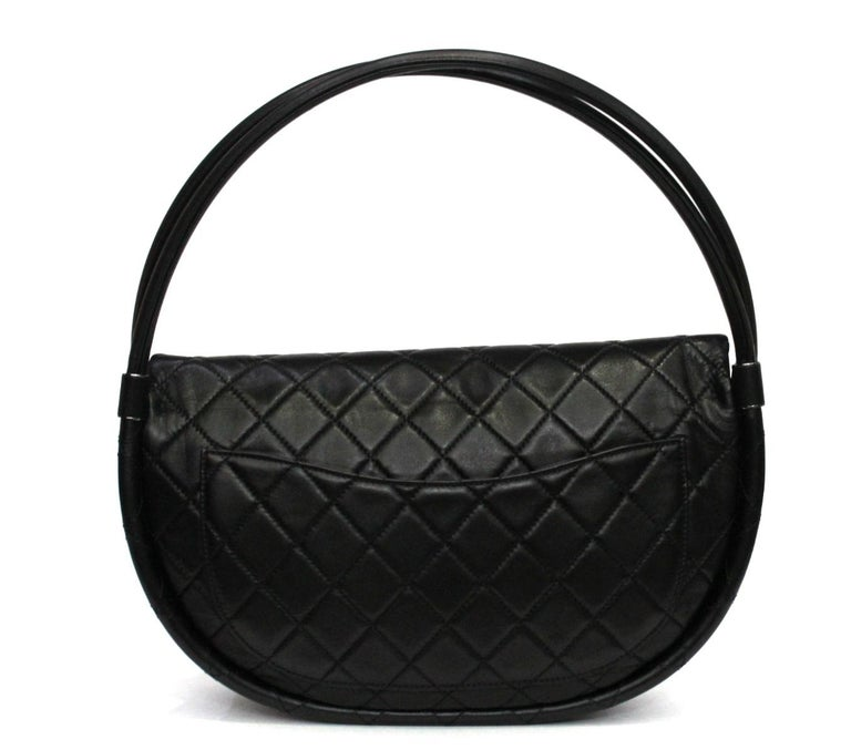 Women's Chanel Black Leather Hula Hoop Shoulder Bag For Sale