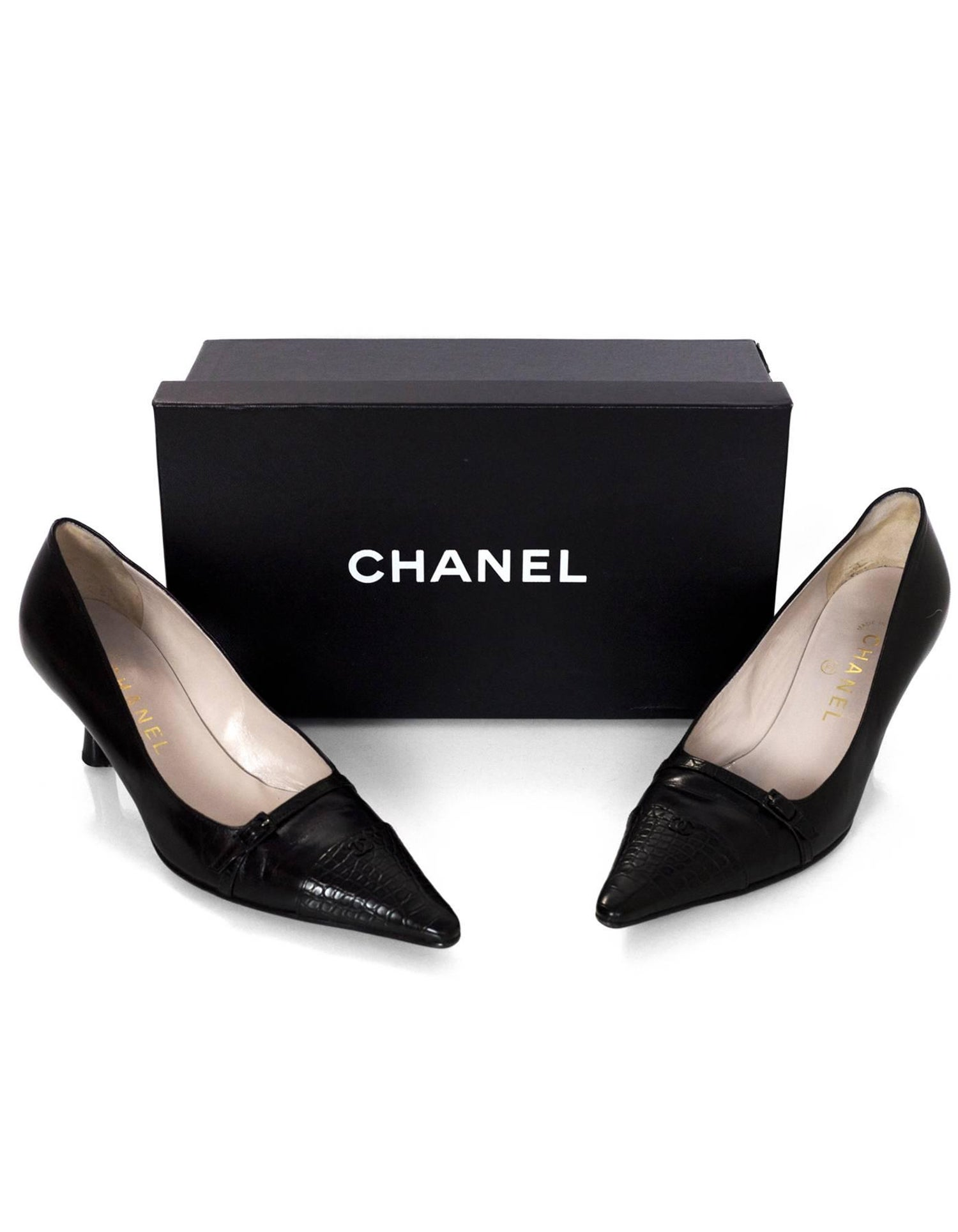 a0c4e68364e Chanel Black Leather Kitten Heels Sz 37 with Box For Sale at 1stdibs