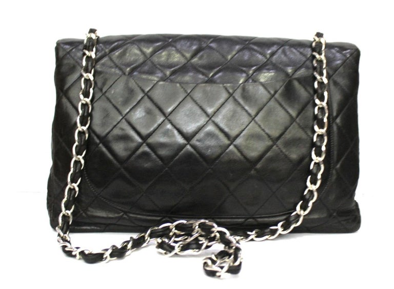 Chanel Black Leather Maxi Jumbo Bag In Good Condition For Sale In Torre Del Greco, IT