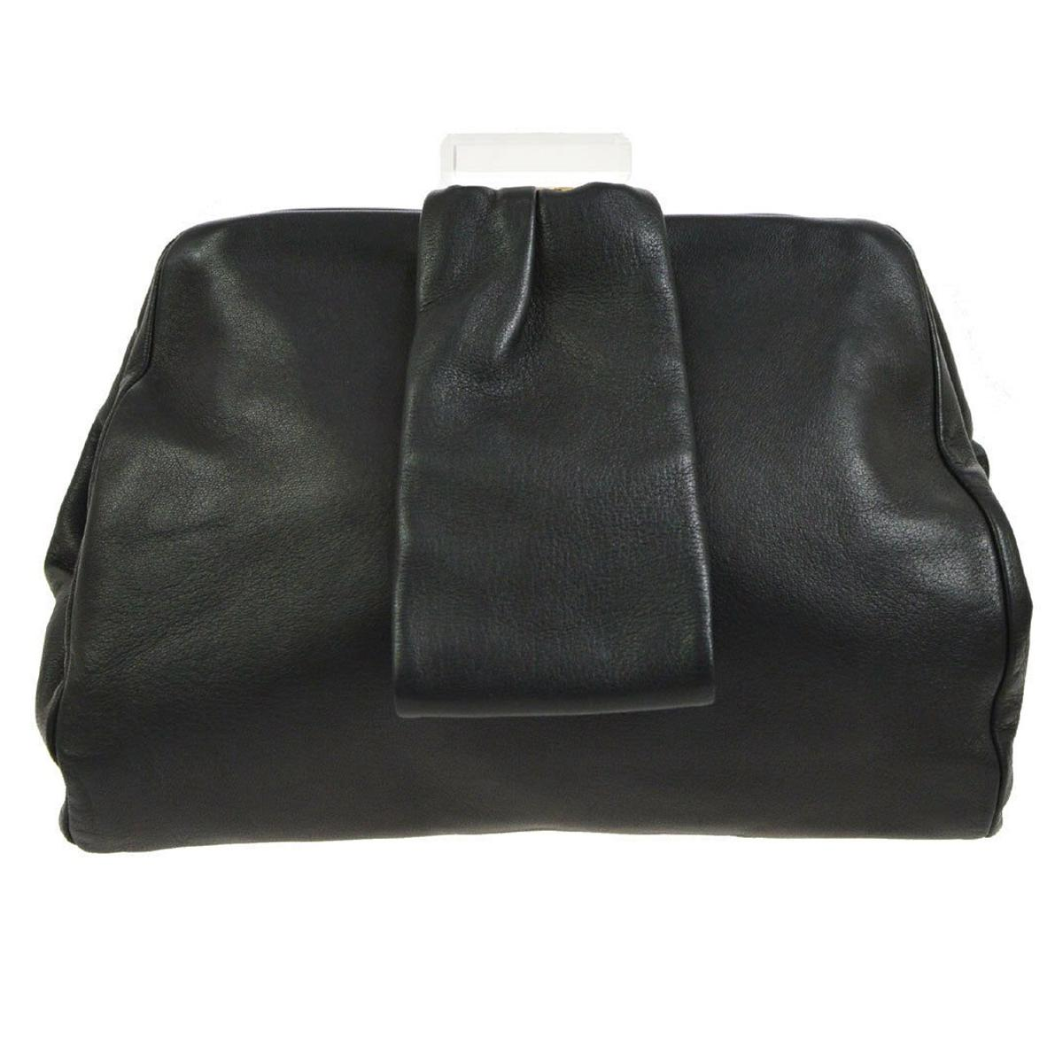 e4ffa3e827d65a Vintage Chanel Evening Bags and Minaudières - 282 For Sale at 1stdibs
