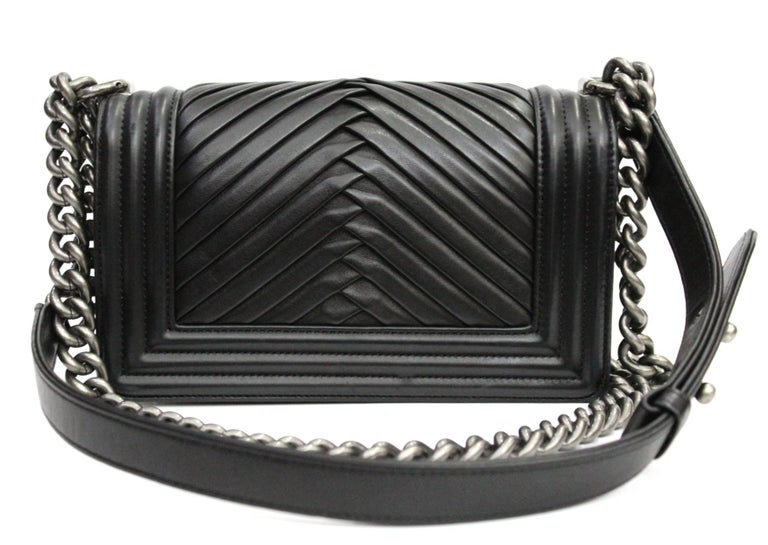 Chanel Black Leather Small Boy Bag In Excellent Condition In Torre Del Greco, IT