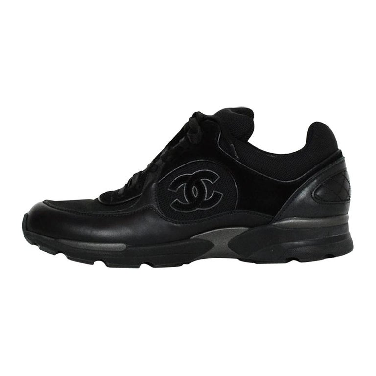 Chanel Black Leather/Suede Sneakers with CC Logo sz 40 For Sale
