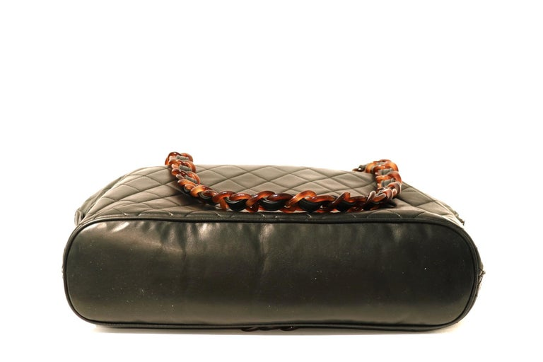 Chanel Black Leather Tortoise Chain Vintage Tote In Good Condition For Sale In Palm Beach, FL