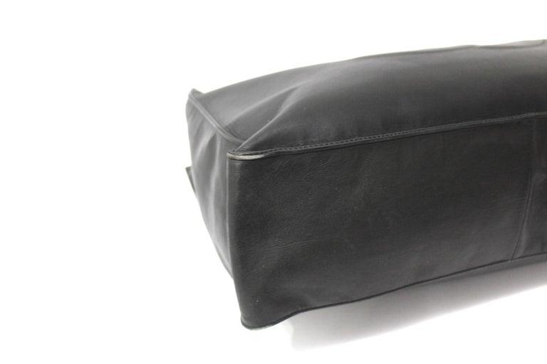 Chanel Black Leather Vintage Shoulder Bag For Sale 1