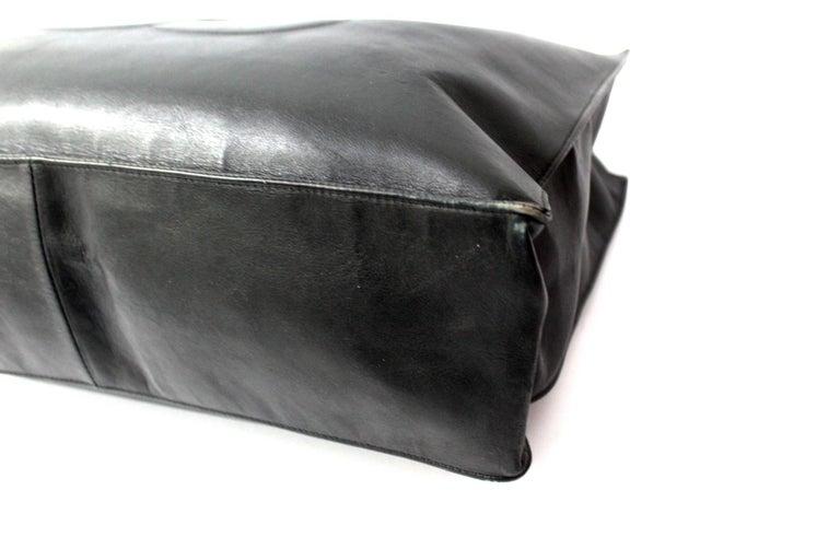 Chanel Black Leather Vintage Shoulder Bag For Sale 2