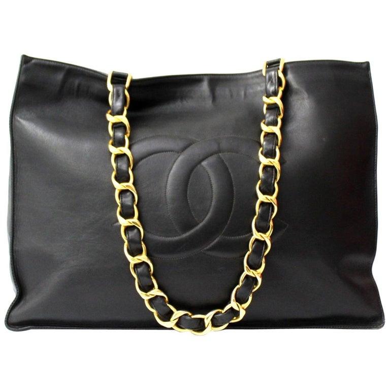 Chanel Black Leather Vintage Shoulder Bag For Sale