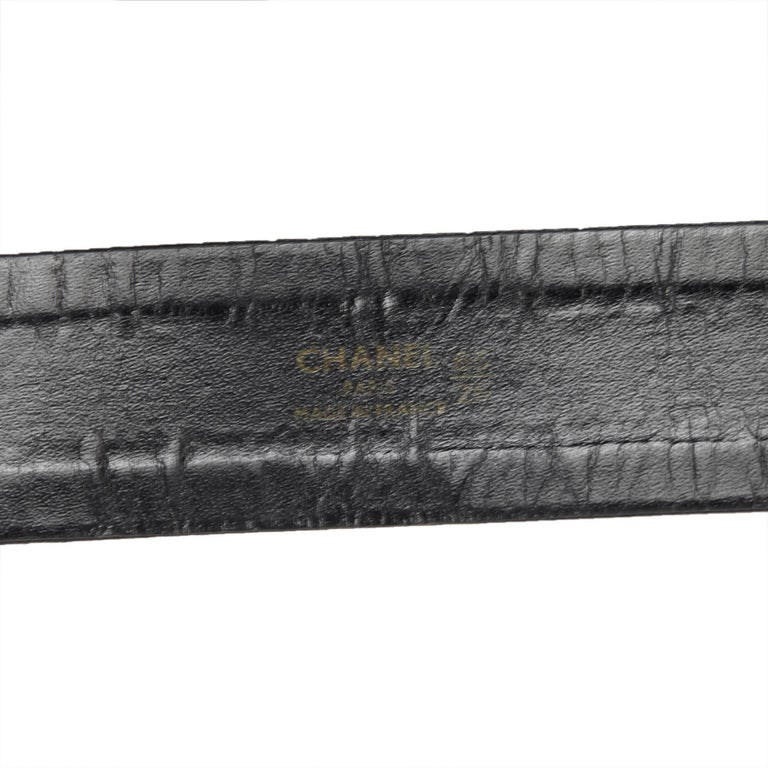 Chanel Black Leather Waist Strap Gold-Toned Buckle and Chain Belt with Medallion For Sale 3