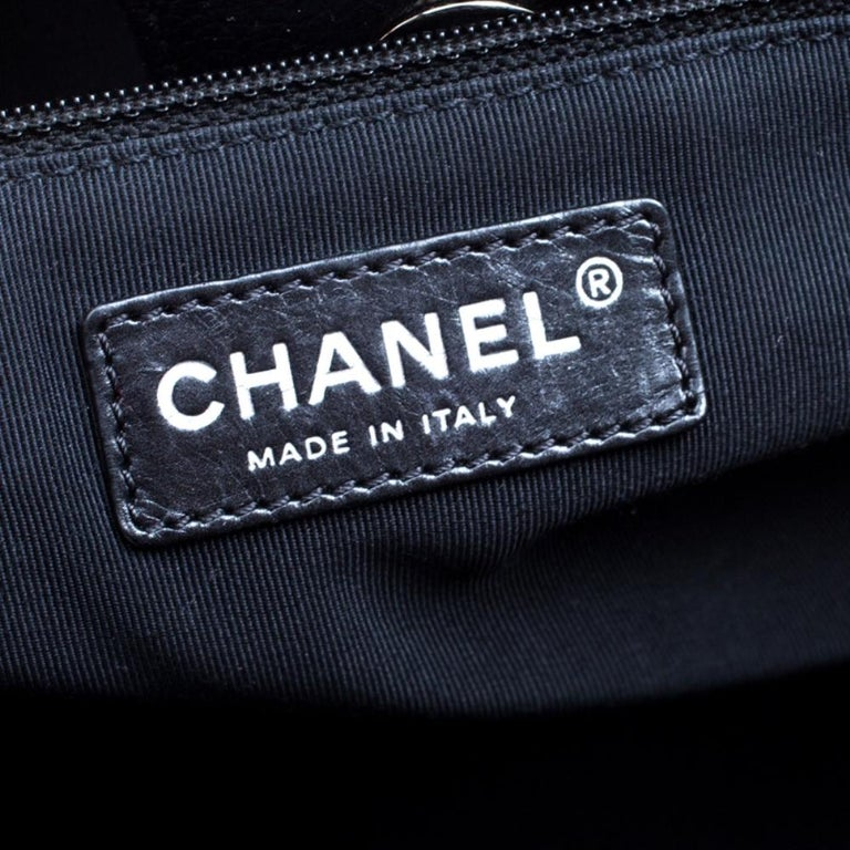 Chanel Black/Maroon Leather Top Handle Bag For Sale 3