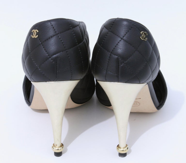 Chanel Black Matelasse Leather Open Booties Heels in Box with Dust Bags Size 39 For Sale 3