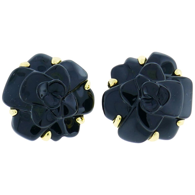 a71e810d52a9fc Chanel Black Onyx Gold Camellia Earrings For Sale at 1stdibs