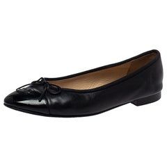 Chanel Black Patent And Leather Bow CC Cap Toe Ballet Flats Size 38