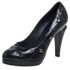 Chanel Black Patent Leather CC Star Slip On Pumps Size 40.5