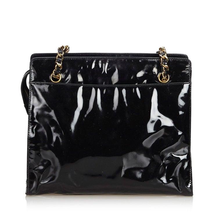 b914e2ba9858 Chanel Black Patent Leather Chain Tote Bag In Good Condition For Sale In  Orlando