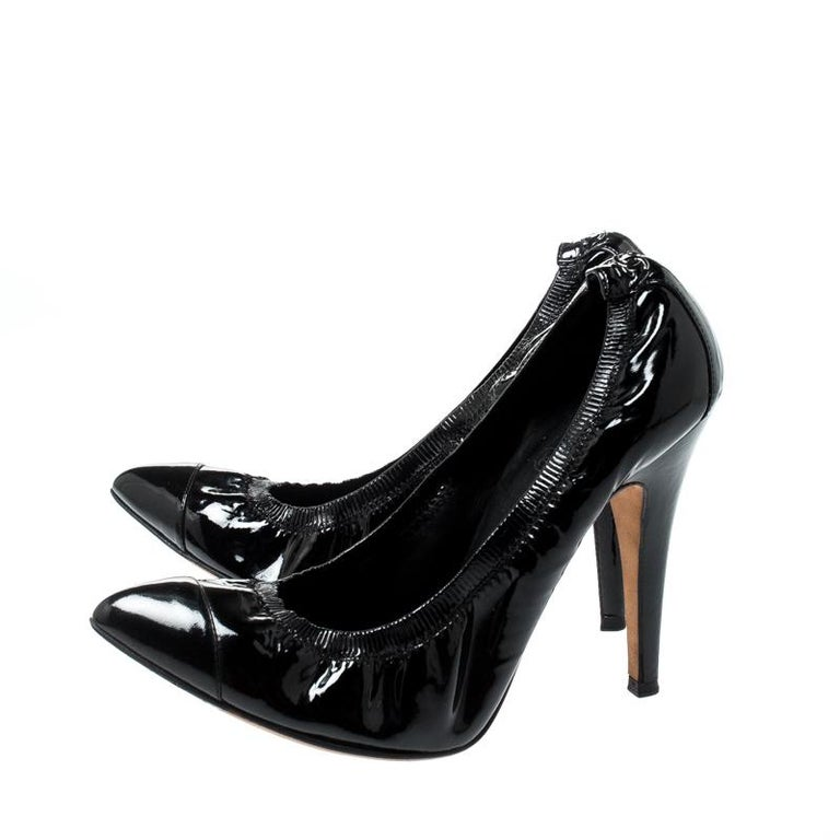 Chanel Black Patent Leather Pointed Toe Pumps 39 For Sale 3