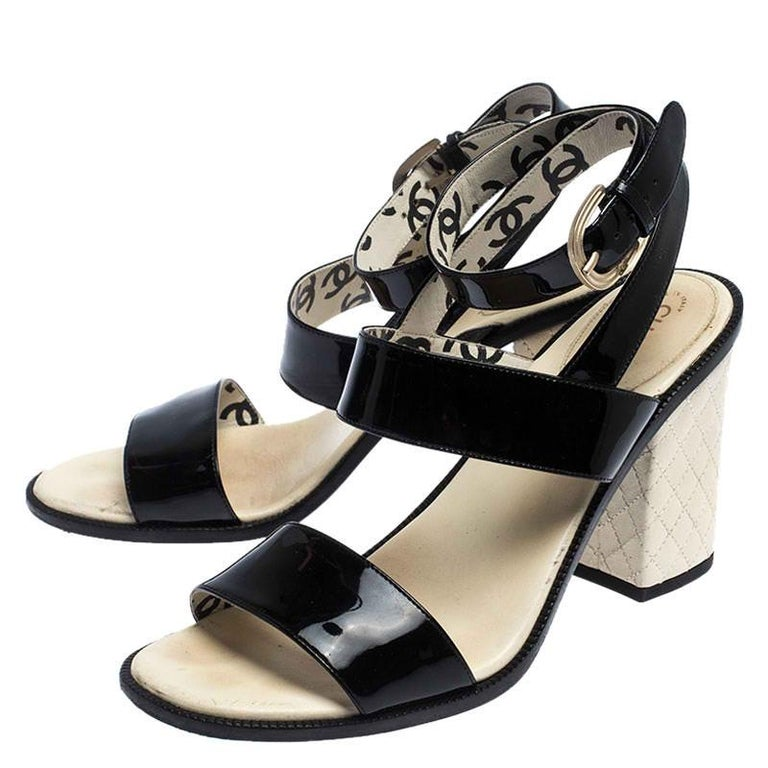 Chanel Black Patent Leather Quilted CC Ankle Strap Sandals Size 39 For Sale 3