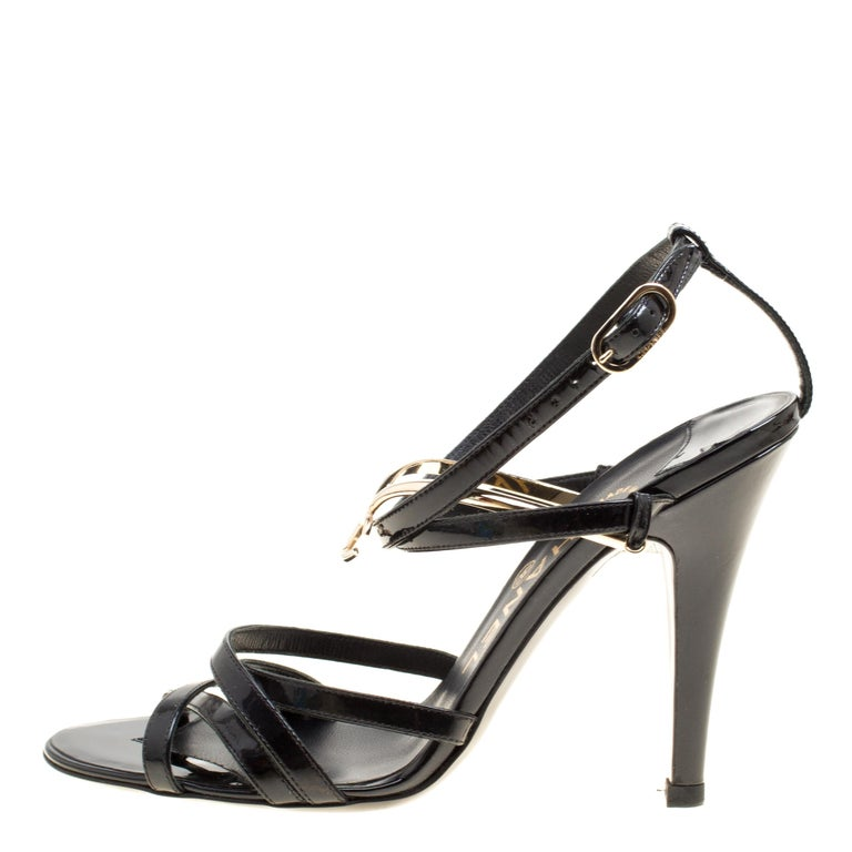 5f9a30c4248f Chanel Black Patent Leather Strappy Sandals Size 36 For Sale at 1stdibs