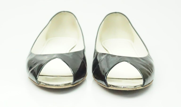 CHANEL Black Patent Peep toe Flat with Silver Heel-39 In Excellent Condition For Sale In Palm Beach, FL