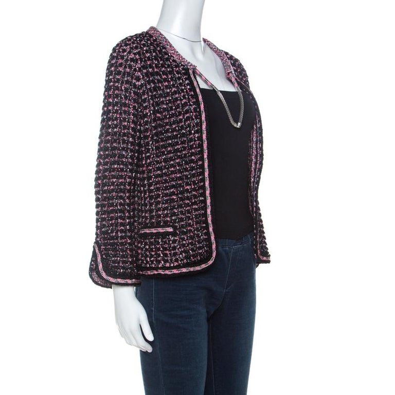 Chanel Black & Pink Tweed Neck Chain Detail Jacket L In Good Condition For Sale In Dubai, Al Qouz 2