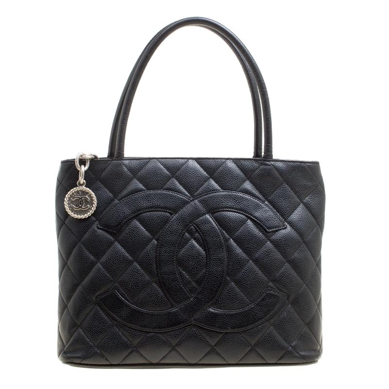cfbe5abc4886 Vintage Chanel Tote Bags - 538 For Sale at 1stdibs