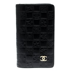Chanel Black Quilted Charm Icon Leather CC Bifold Wallet