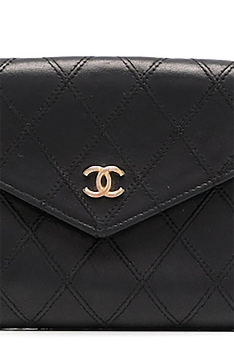 Women's or Men's Chanel Black Quilted Lamb Wallet For Sale