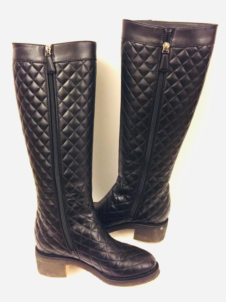 """Chanel black quilted  lambskin """"CC"""" long boots  In Excellent Condition For Sale In Sheung Wan, HK"""