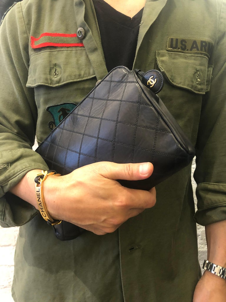 CHANEL Black Quilted Lambskin Leather Clutch Bag For Sale 4