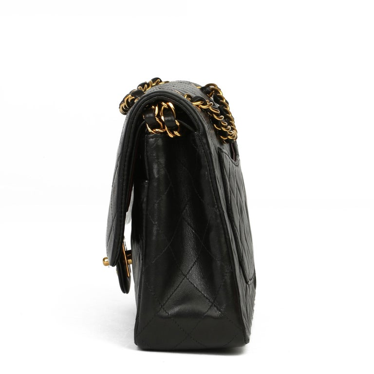 Women's Chanel Black Quilted Lambskin Vintage Medium Classic Double Flap Bag For Sale