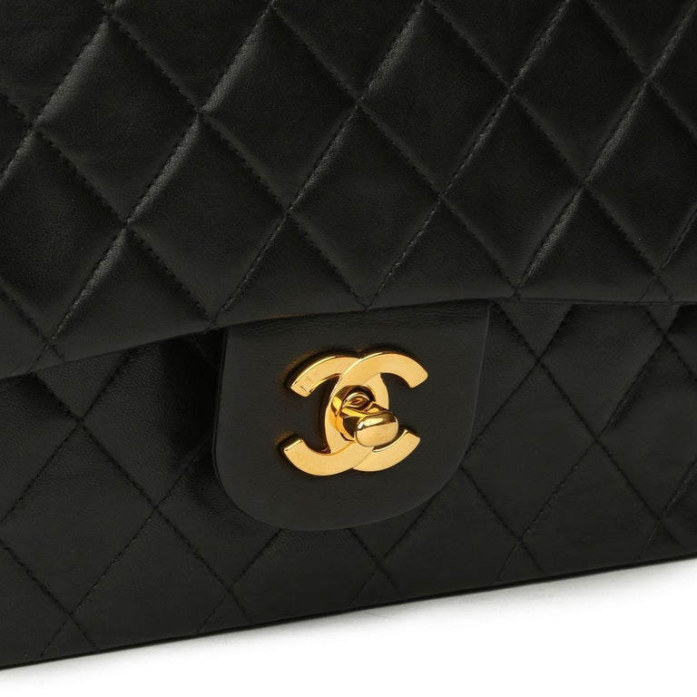 Chanel Black Quilted Lambskin Vintage Medium Classic Double Flap Bag For Sale 3