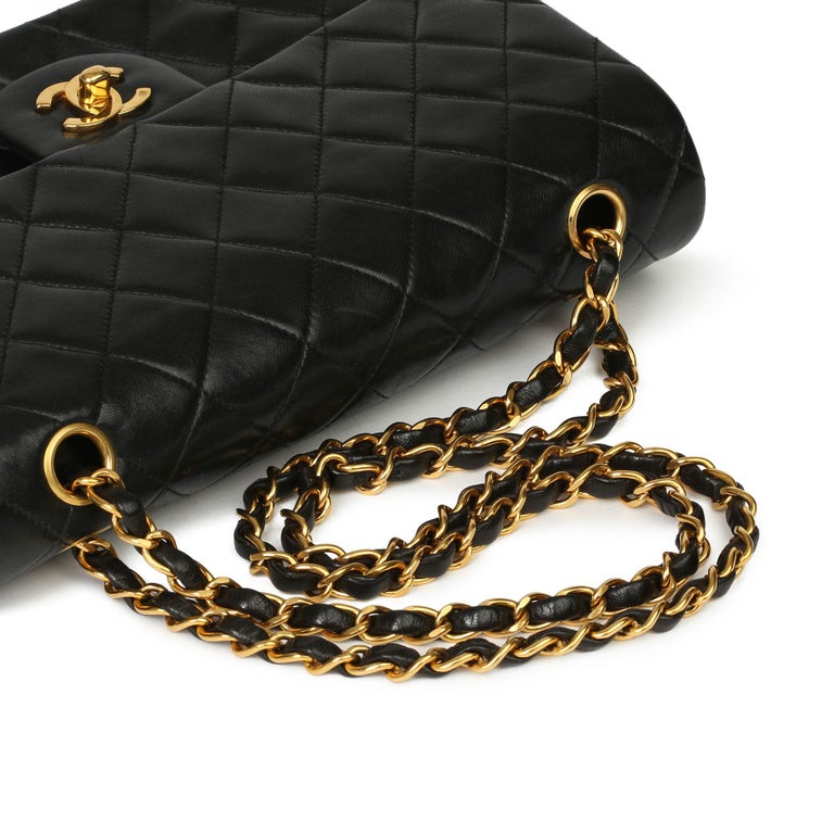 Chanel Black Quilted Lambskin Vintage Medium Classic Double Flap Bag 4