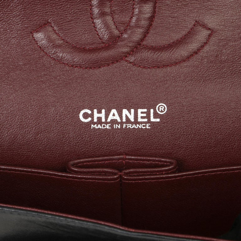 Chanel Black Quilted Lambskin Vintage Medium Classic Double Flap Bag For Sale 4